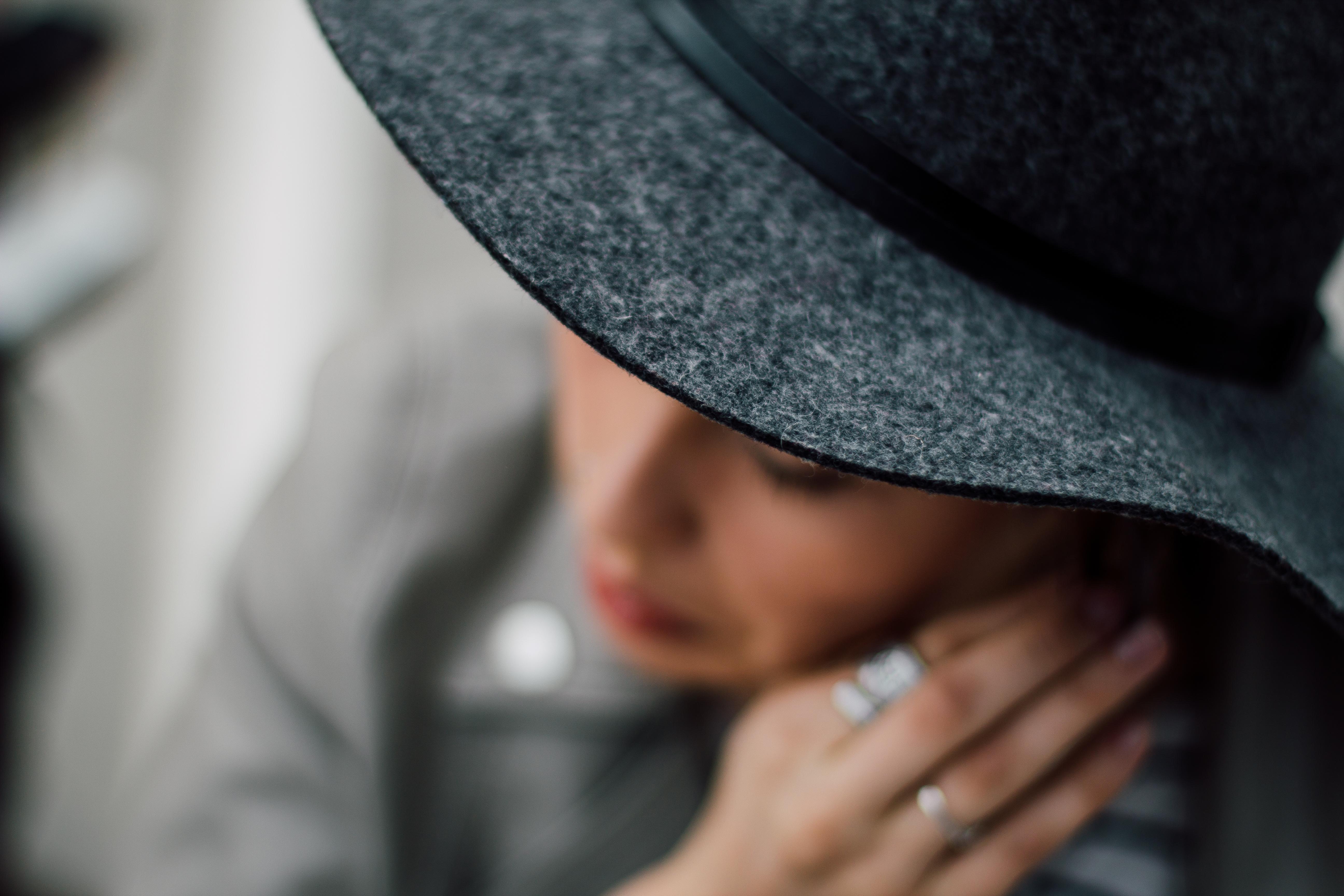med Hat dating Black dating online gratis
